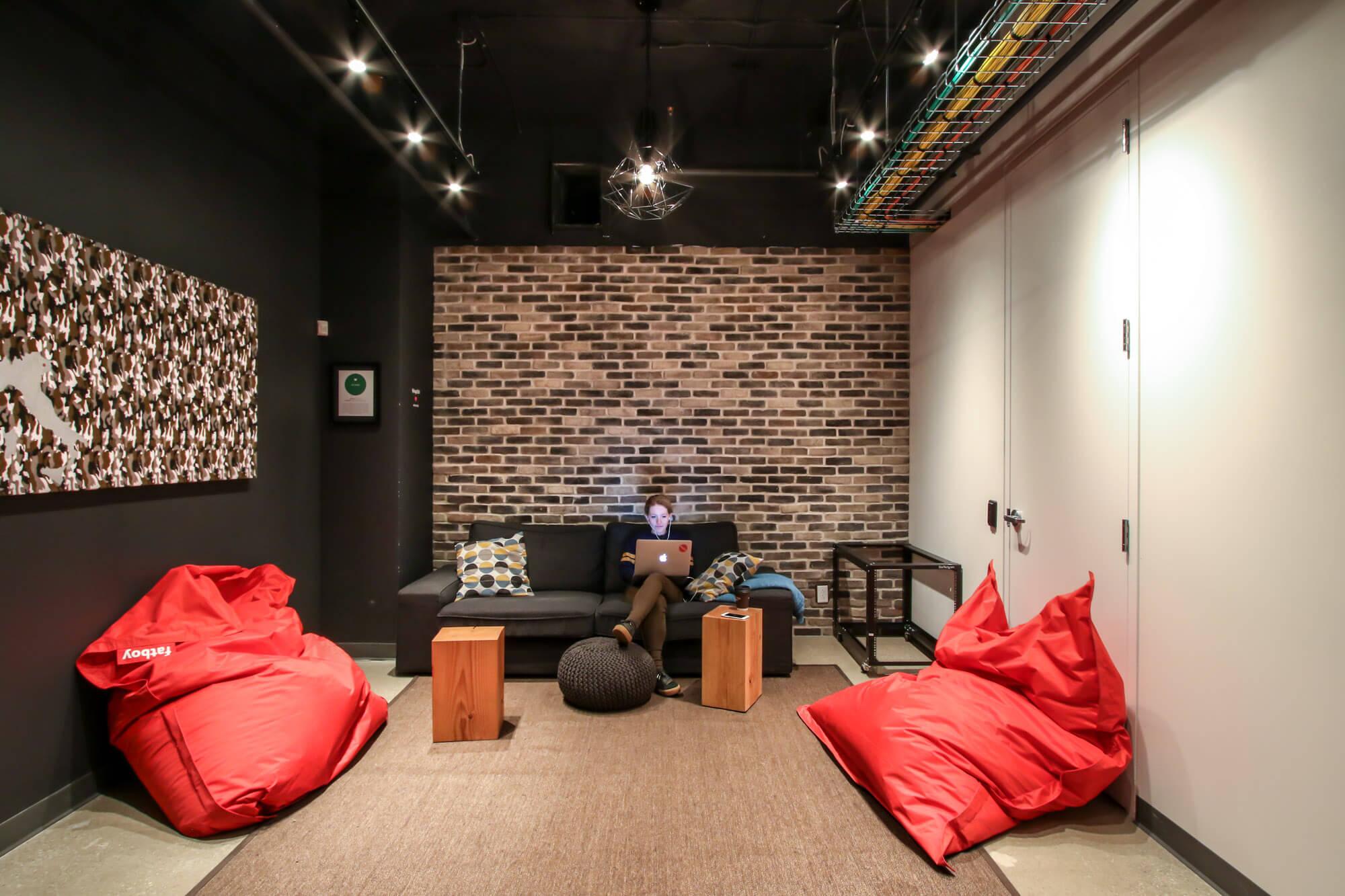 Varagesale Office Killer Spaces-8