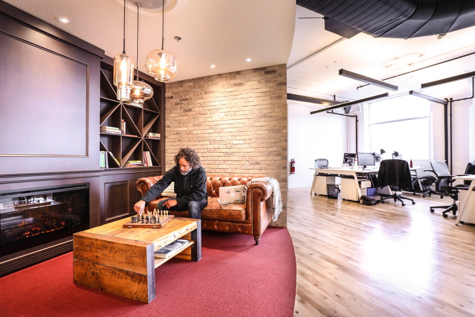 Shutterstock Montreal Office Killer Spaces-19